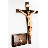 441 - Crucifixo Madeira Para Parede ou Mesa 30 cm com Cristo em Poliéster