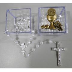 462 - Terço de Pérola 5 mm de Eucaristia com Cálice no Entremeio. Venda por Unidade.